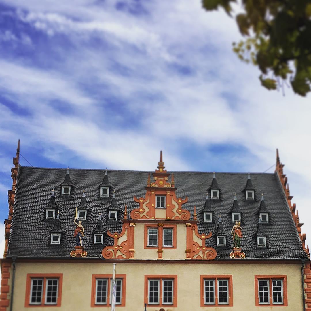 Groß-Umstadt. #rathaus #frühling #grossumstadt #winzerfestinumstadt #winzerfest2016